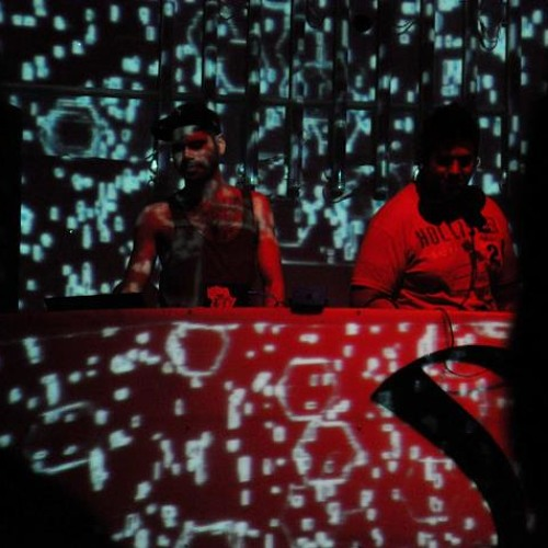 Javier Estrada & Ezekiel - Hay cabron