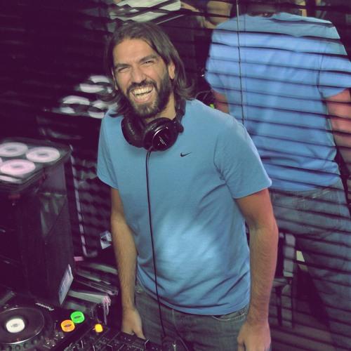DJ Tarkan - TechNOsmoking (October 10, 2011)