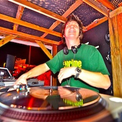 Rocket Wife - DJ Trey Stein vs. Tara Busch Opera Breaks Remix