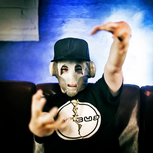 FUNTCASE - (Resident DJ) 'promo mini-mix' for DUB OPTIC - Autumn 2011
