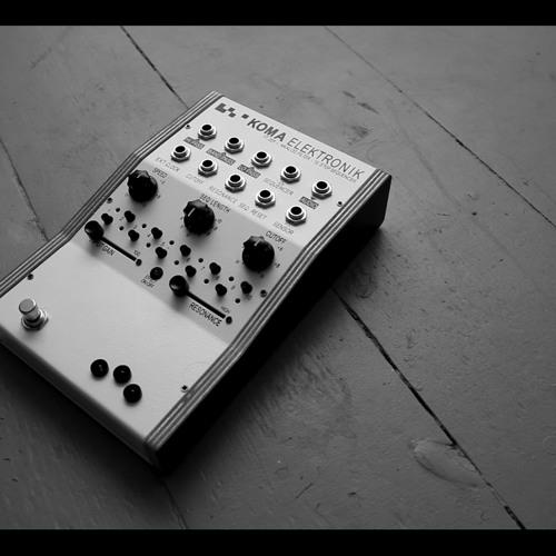 KOMA Elektronik FT201 vs drumloop & synth