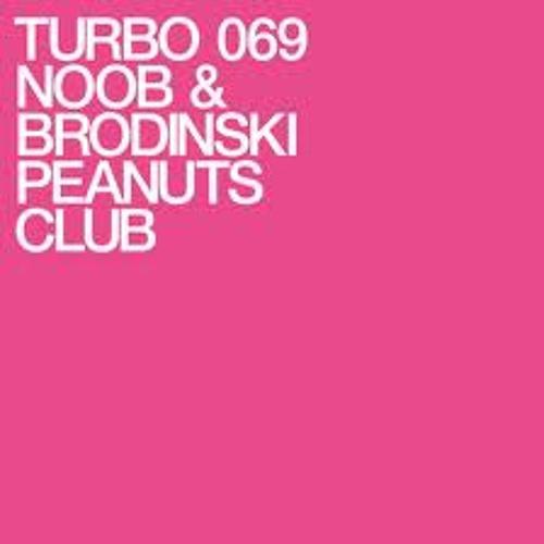 Peanuts Club (desman15 Moombahton Edit) - Noob & Brodinski