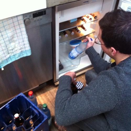 Senart filling the fridge with BEEER at SoundCloud HQ