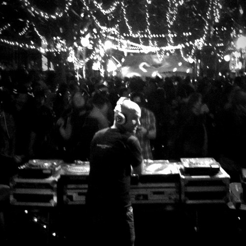 DJ Zach Moore Live from Silent Frisco (Treasure Island Music Fest 2011)
