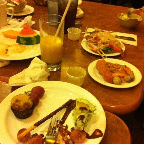 Restaurant Frenzy  at Imperial Buffet