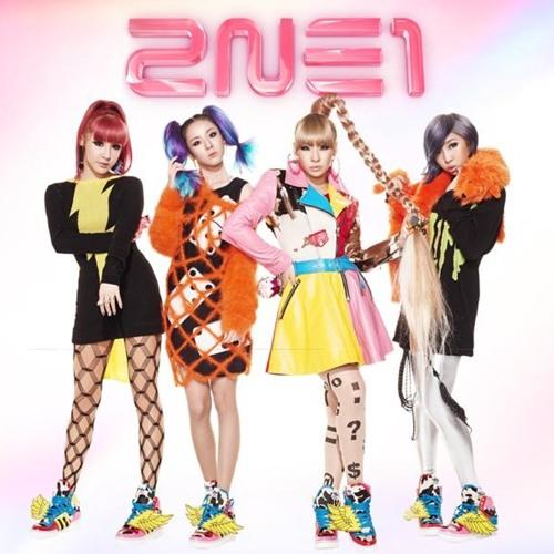 2NE1 - GO AWAY (Japanese Ver.)