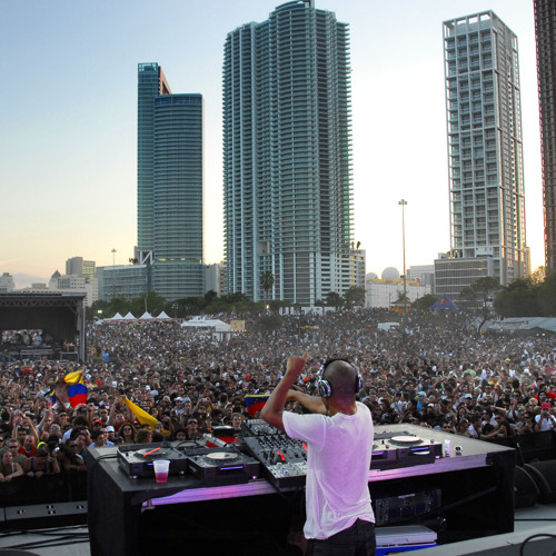 Calvin Harris - Ultra Music Festival Mix 2011 Feat. DJ Tony