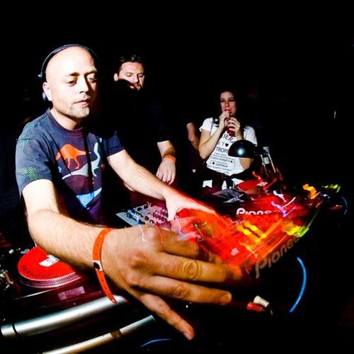 Diynamic Radioshow by H.O.S.H. November 2011