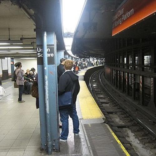 New York-Subway trains-platform