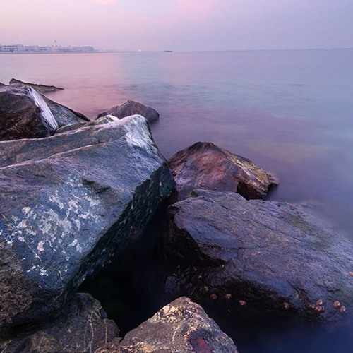 Dubai Jumeira Beach Light Splashes On The Rocks