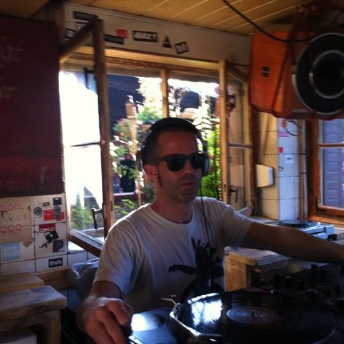 Young @ Club Der Visionaere (Berlin) 20 08 11 set 5