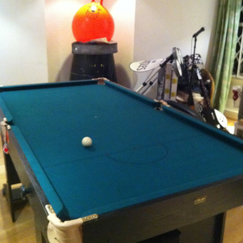 Richard Herring Me1 v Me2 Snooker - Frame 1