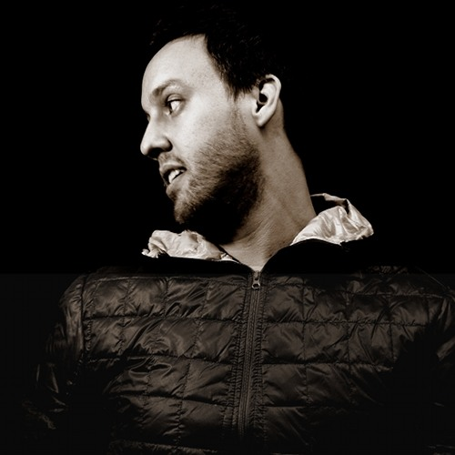 Maceo Plex guest mix on Carl Cox's Global show December 3 2011