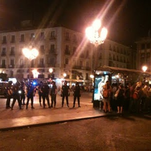 #18A Carga de antidisturbios por la calle Carretas, Madrid