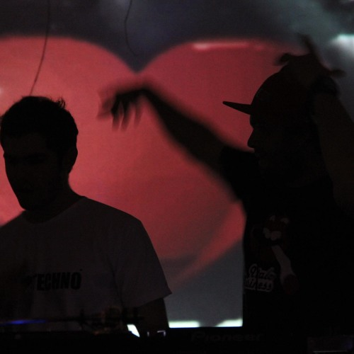 Cleber Araujo & Cleiton Araujo - End of Year 2011 (DJ SET)