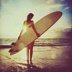Surfer Girl - Juan Gavioli