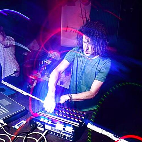 ZiggyKinder-LiveSet-Snippet (February2012)