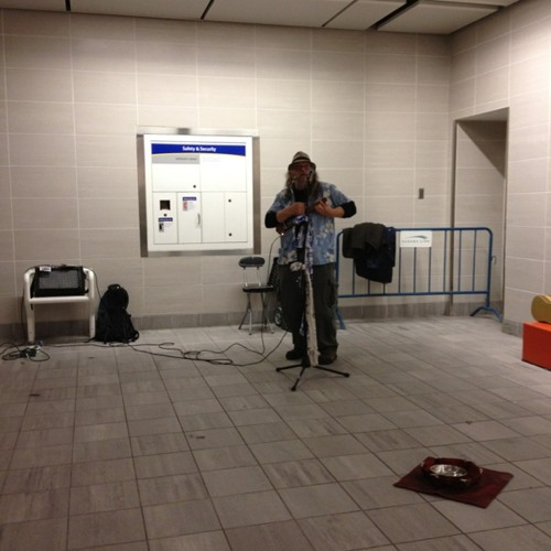 2-minutes live music at @translink w/  @lindzmarsh @fairtradevan in @downtownvan. at Waterfront Skytrain Station