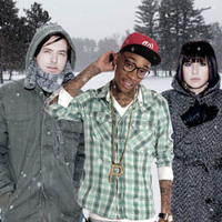 Wiz Khalifa vs. Phantogram - Move Up (The Hood Internet Mashup)