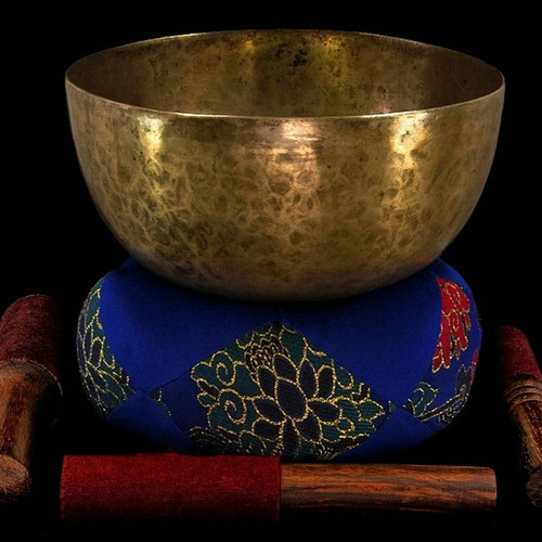 Tibetan Singing Bowl: Basso Profundo (deep sound!) . . . from Bodhisattva