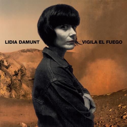 "Lidia Damunt ""Somos islas mágicas"""