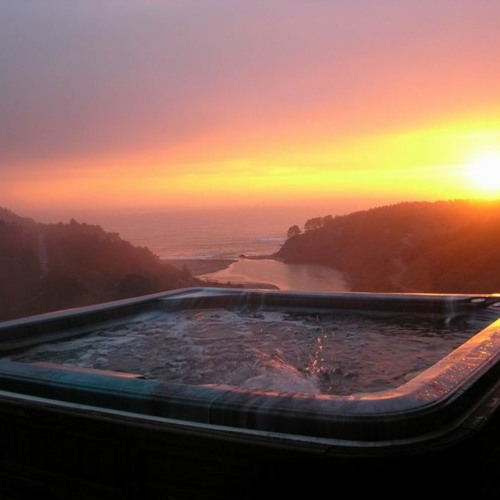 Seahawks-Hot Tub