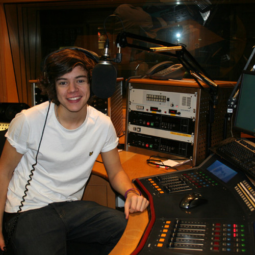 Harry Styles direct from 1DHQ on The Hits Radio