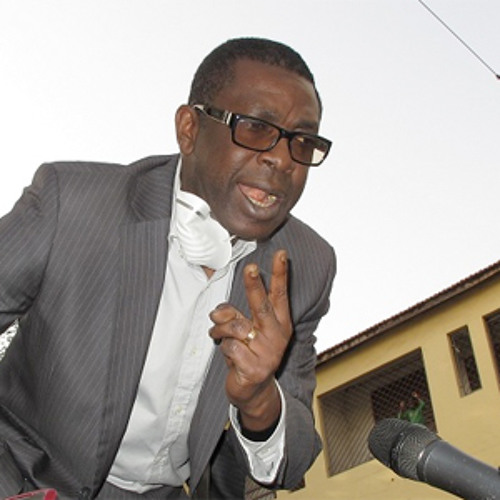 Youssou N'dour at the anti-President Abdoulaye Wade rally