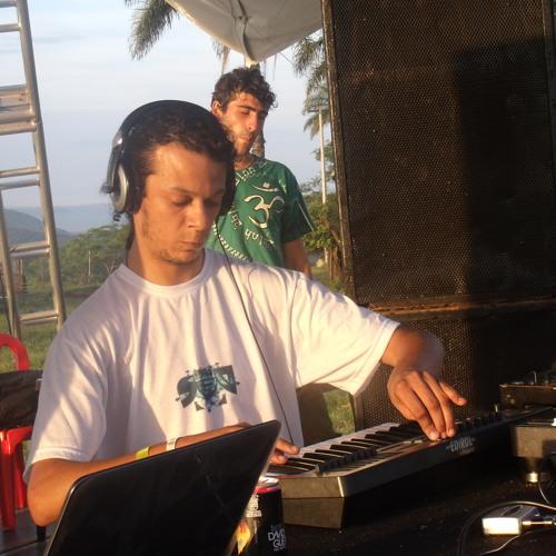 Urucubaca LIVE @ Soulvision -  Intro [Limiting Biliefs DEMO]