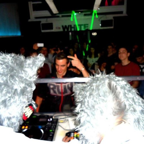 Live @ White Club (25/02/12, Oxyde Records opening) - Romulus & Remus