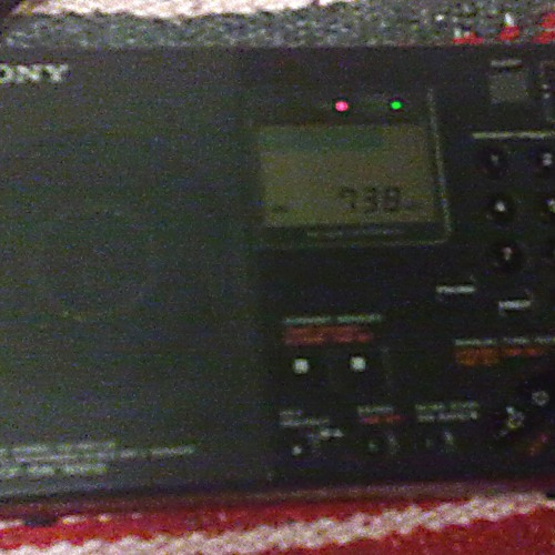 RNE 1 - Radio Nacional de España - Sony ICF-SW7600G MW 738 kHz 05 Mar 2012 1h
