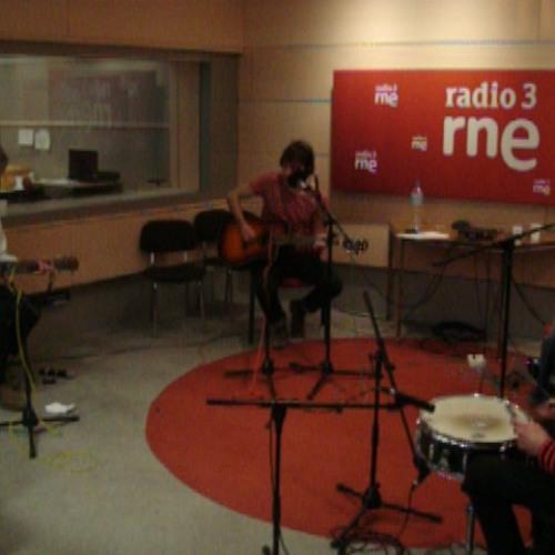 Perfect World Live Acoustic Version on Spanish Radio