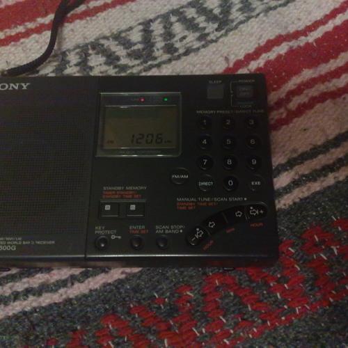 France Info Sony ICF-SW7600G MW 1206 kHz 11 Mar 2012 23h