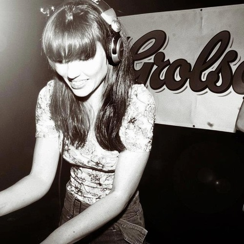 Miss Dilemma - Live rec. DJ set for MedellinStyle, Exclusive Mix - 17.06.10