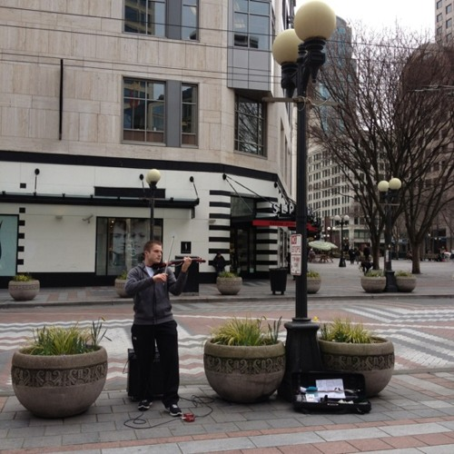 1-minute street violinist. #seattle #music at Westlake Park