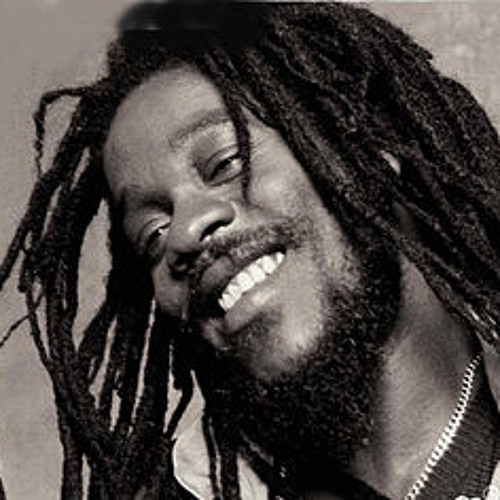 Dennis Brown -  Let me Love You - Marcus Visionary Remix (FREE DOWNLOAD)