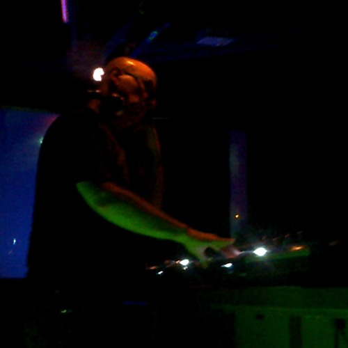 I-Robots - Live @ Dnz Maxime (Madrid, Spain) 3.24.2012