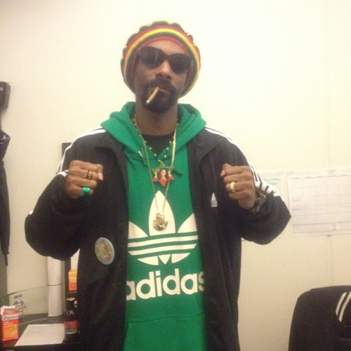 SOUNDDOGG ON D CLOUD BY SNOOP DOGG