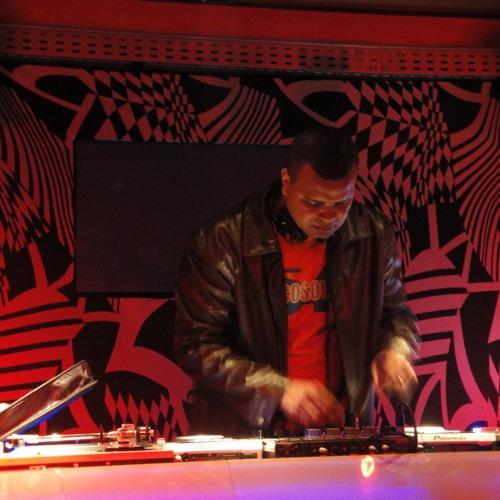 Eddie Valdez & O Sócio - Sky High (Radio Mix)