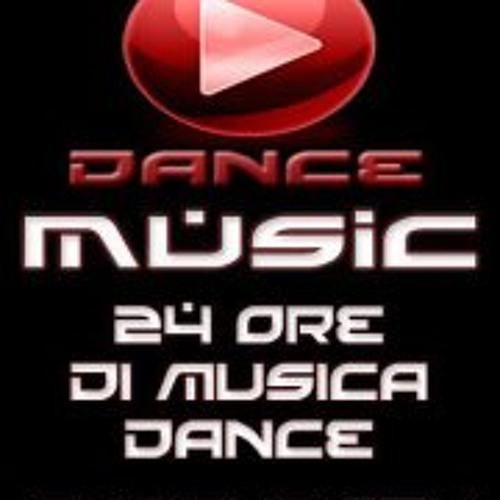 Amine Boufarissi & Amine Abdelaoui - Qlix - played @t Radio Dance Music ('n Club Parade)