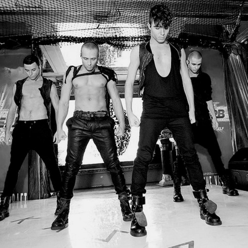 Kazaky - In The Middle (Live Version)