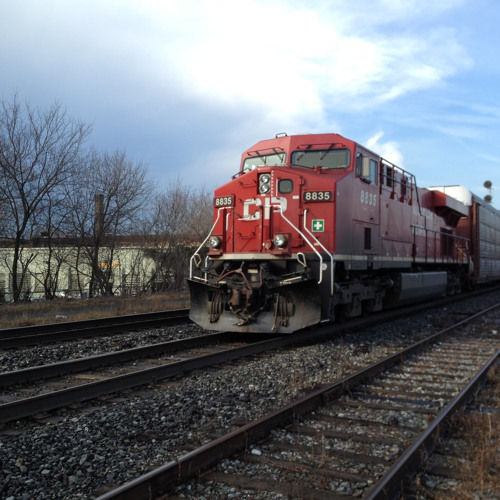Freight train cars passing slowly sound effect, H4n