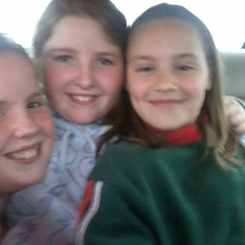 Emma Sorenson, Sarah O Keeffe And me singing Price Tag ( Cover )