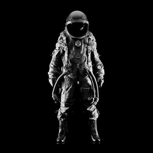 Intellitard - The Spaceman in Black
