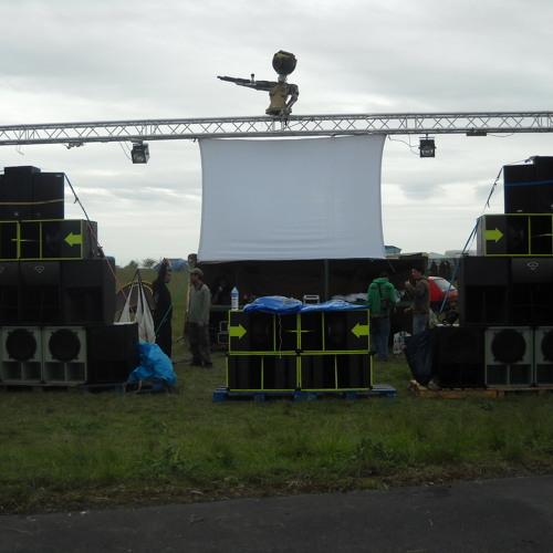 Out Of Controle Docteur Cloud Liveset teknival 2012 free dl !!!!
