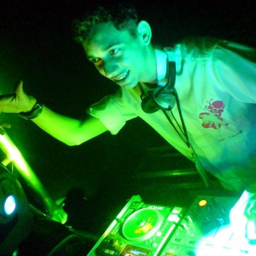 Diante do Trono - Me Ama ( DJ KALIX Gospel Mix - Remix Eletro Tribal ) Preview