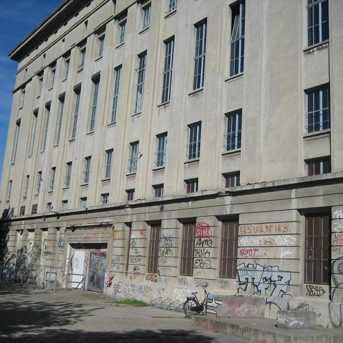 A.Mochi live at Berghain 28-04-2012 last few minutes:)