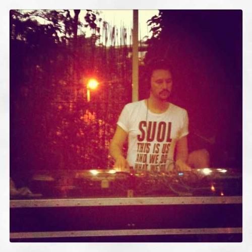 i-DJ: Daniel Bortz