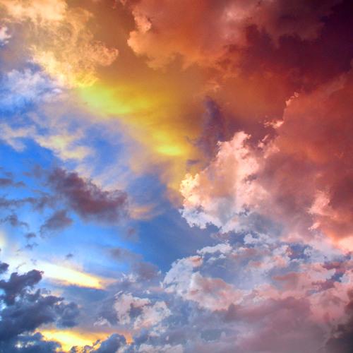 Julien Kern & Greg Gyll - In The Sky (Radio Edit)