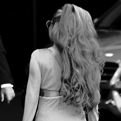 Lady Gaga - Hair (Acoustic) (A very Gaga Thanksgiving)